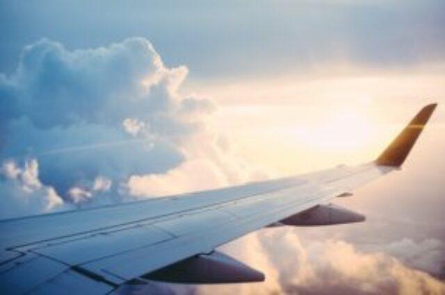 Dochodzenie odszkodowania za opóźnienie lotu przy międzylądowaniach poza UE